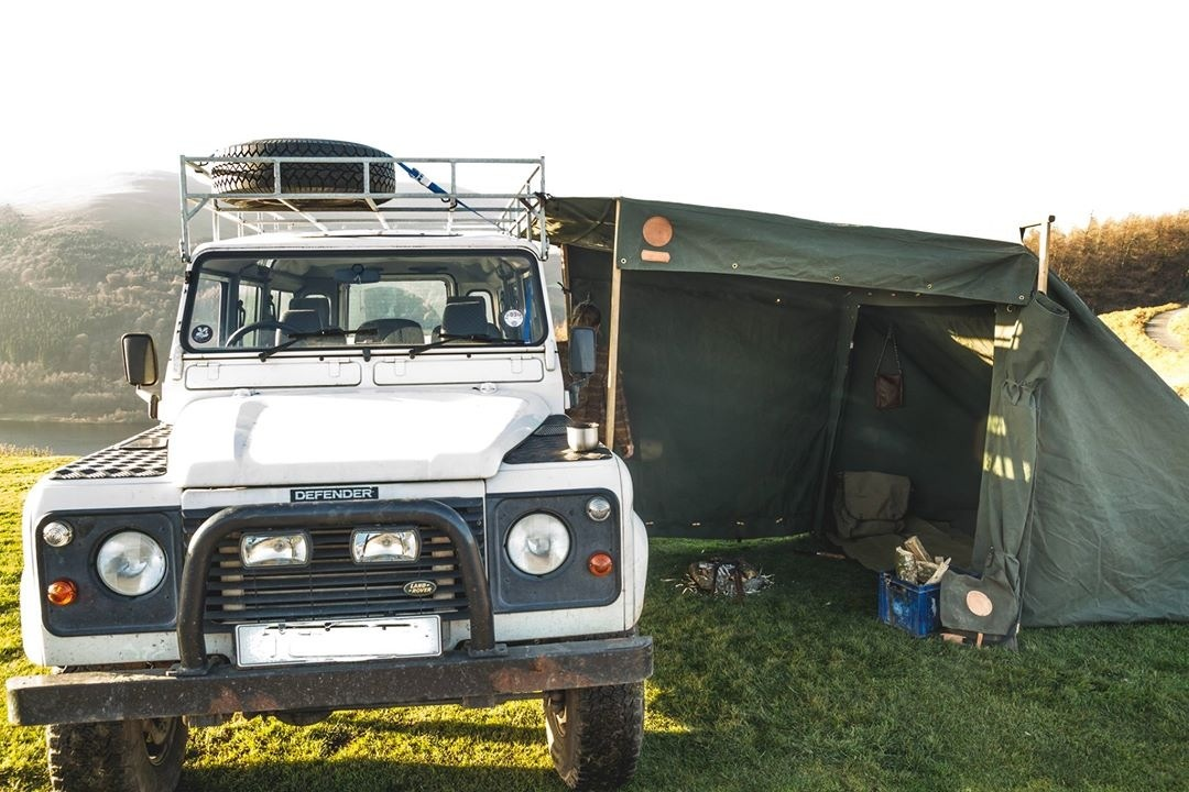 Land Rover Campfire Tent side open